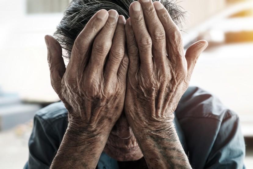 Spotting-Emotional-Elder-Abuse
